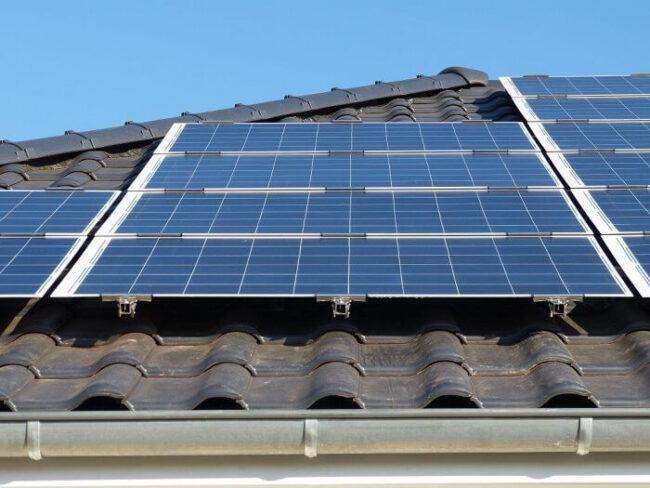 Photovoltaikanlage auf Dachziegeln